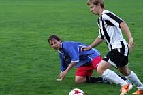 Již druhého vítězství dosáhli fotbalisté Náměště-Vícenic (v modrém) v novém soutěžním ročníku I. A třídy
