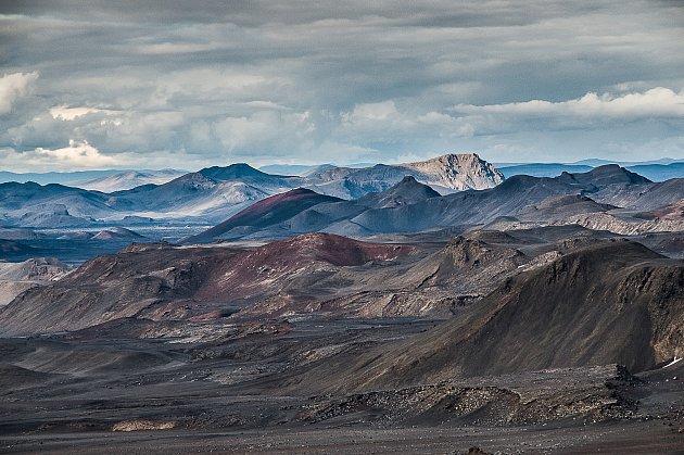 3. Od roku 2001každoročně jezdím na Island. Proto mám letos hezké kulaté dvacáté výročí, které mi málem pokazil ten koronavir. Aprotože některé roky jsem na Islandu víckrát, tak se letos chystám na svoji 32.cestu. Proč zrovna tam? Odpovím upřímně a po