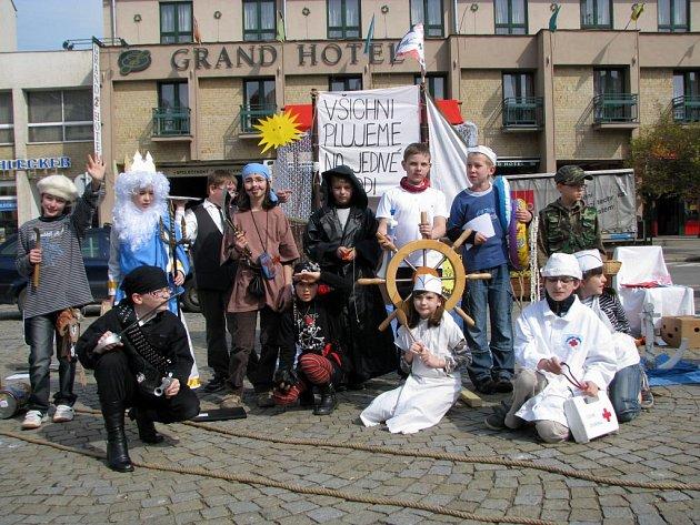 Na Karlově náměstí v Třebíči se v pátek konala oslava Dne Země.