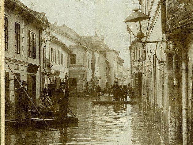 Povodně se Třebíči nevyhýbaly ani v dávné historii