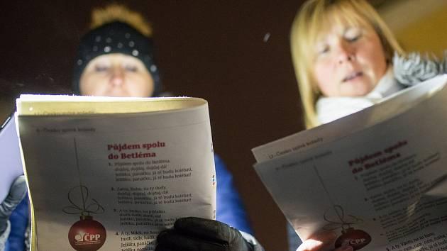 Koledy s Deníkem si lidé přišli zazpívat taky v Třebíči