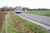 Kraj provozuje autobusovou dopravu, Hornice platí opravy i zimní údržbu silnice k Velkému Újezdu.