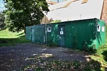 Doposud na Podzámecké nivě fungovaly toalety ve stavebních buňkách. Nové zázemí vznikne díky spolupráci s TJ Třebíč, stát bude na pozemku tenisových kurtů.