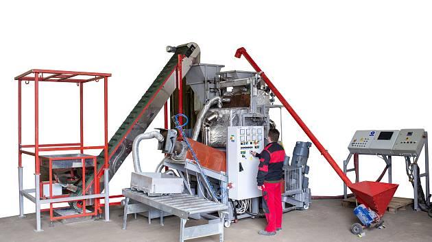 Linka na zpracování plastů firmy Via Alta.