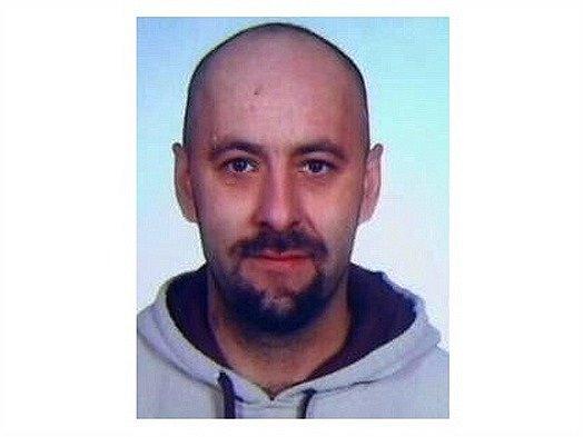 Kriminalisté se obracejí na veřejnost se žádostí o spolupráci při pátrání po hledaném jednačtyřicetiletém Vlastimilu Brabcovi z Třebíčska.