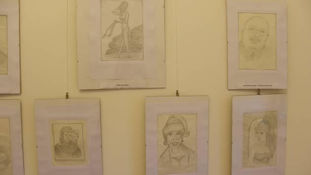 Kresby Jana Chlubny vystavené ve Špitálu v Jaroměřicích nad Rokytnou.