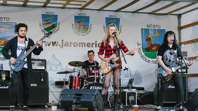 Protest fest v Jaroměřicích nad Rokytnou.