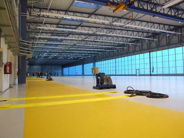 Největší hangár ve střední Evropě je v Náměšti nad Oslavou