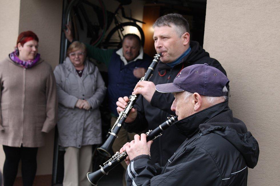 Polužanka hrála Josefům, Vlastimilům a Eduardům.