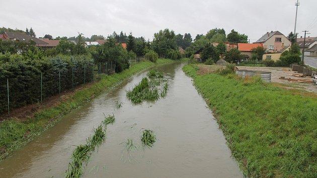 Rokytná nastoupala na první povodňový stupeň