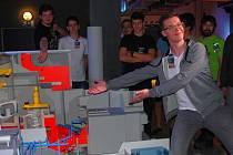 Své třídenní jaderné studium zahájilo ve středu čtyřiatřicet studentek a studentů v Jaderné elektrárně Dukovany.
