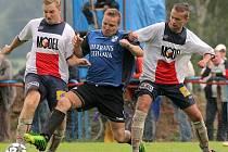 Moravské Budějovice (v bílém) měly vydařený vstup do sezony, ale v posledních dvou kolech vyšly naprázdno bodově i střelecky.