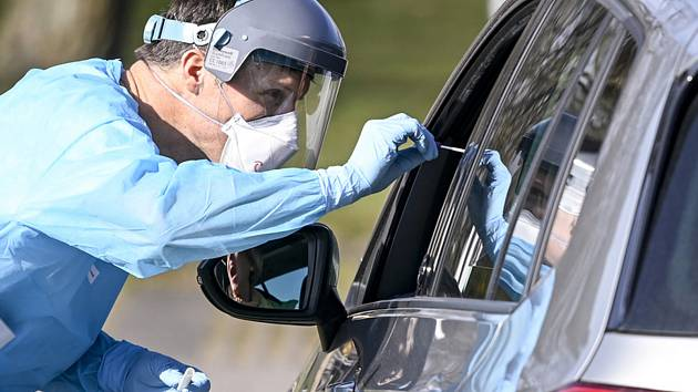 Testy na koronavirus v Německu. Ilustrační foto