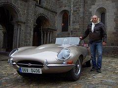 Milan Dočekal a jeho Jaguar TYPE E Cabriolet 1966.