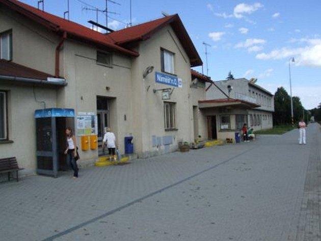 Vlakové nádraží v Náměšti nad Oslavou.