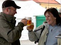 Kdo najde sám sebe na některé z přiložených fotografií, může vyhrát pivní půllitr od pořadatelské agentury D.A.N. production.