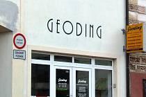 Dvě desetiletí nabízí komplexní zeměměřičské ageodetické služby třebíčská firma Geoding, s. r. o. Působí nejen na Třebíčsku, ale v oblasti celého kraje Vysočina a Jihomoravského kraje.
