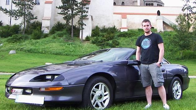 Chevrolet Camaro z roku 1994 a jeho majitel Martin Barták.