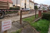 K uzavřeným silnicím přibyla naposledy Jaroměřická a část Palackého.