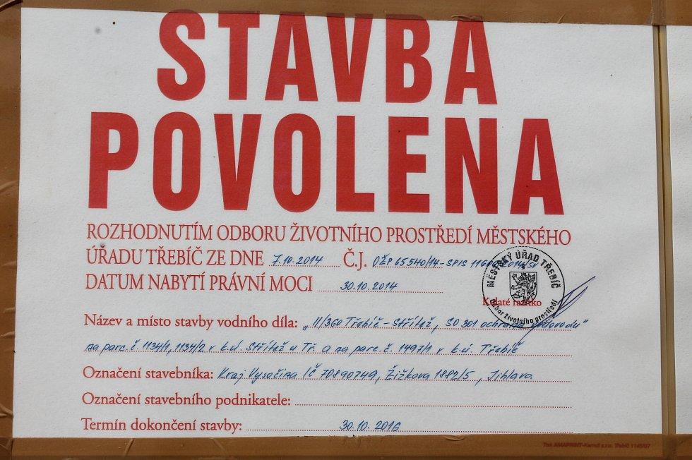 Z uzavírky úseku Třebíč - Střítež.