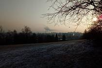 Pohled na Třebíč ráno 22. ledna 2019 od Kostelíčku ve čtvrti Horka - Domky.