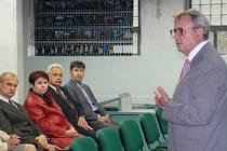 Vladimír Dlouhý, prezident Hospodářské komory, zavítal do Třebíče.