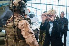Ministryně obrany v demisi Karla Šlechtová (ANO 2011) na vojenské letecké základně u Náměště nad Oslavou.