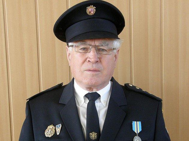 Ve veřejných volbách funkci starosty SDH Kojatice opět obhájil Jan Šenkypl.