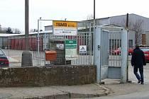 TSMB mají třicet šest zaměstnanců. Provozují tři popelářské vozy, svozové vozidlo s desítkou kontejnerů, z toho dva jsou s lisem, multikáry a avii. Areál TSMB má objekty staré, ale rozsáhlé a na dobrém místě.