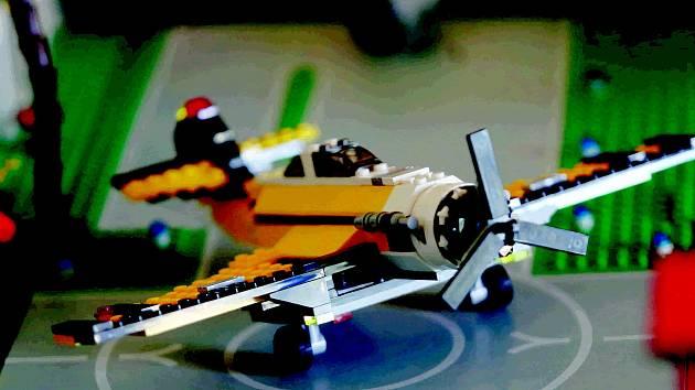 Vstoupit do světa stavebnic Lego umožňuje výstava nazvaná Svět kostiček, která v pondělí 7. ledna začíná ve výstavní síni Staré radnice v Náměšti nad Oslavou.