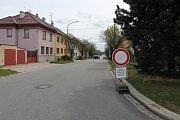 Uzavírka v Třebíči a její dopady. Březinova ulice.