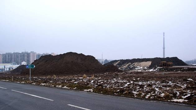 Staveniště na výpadovce směrem z Třebíče na Znojmo.