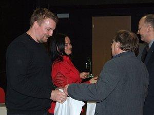 Trenér roku Jiří Kliner a premiérové ocenění trenérka roku obdržela Michaela Křenková.