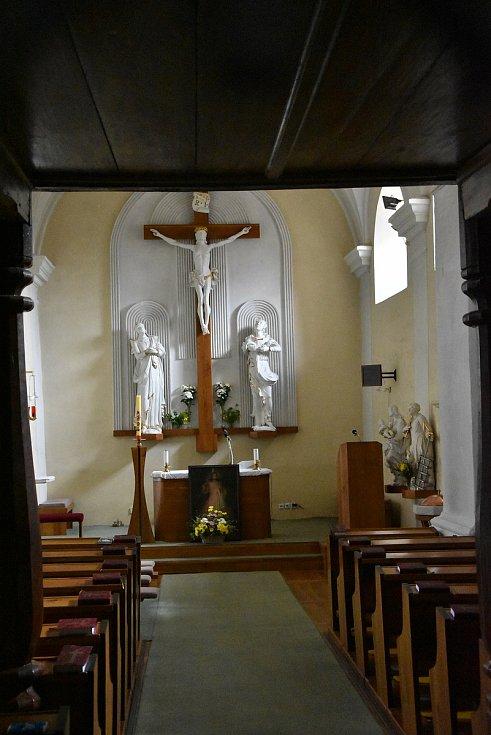 Interiér kostela sv. Vavřince