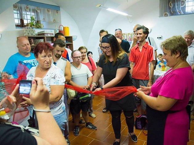 Slavnostní otevření tréninkové kavárny v Hrotovicích.