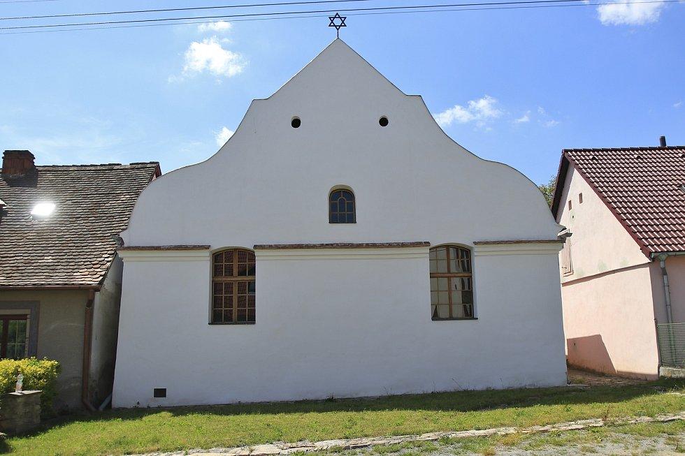 Synagoga v Polici.