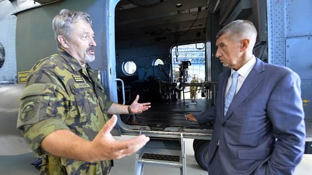 Armáda bude mít americké víceúčelové i bojové vrtulníky