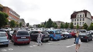 Třebíčské parkoviště dostane druhý parkovací automat.