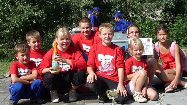 Nové založené družstvo mladších žáků.  V červenci se v okrskové soutěži umístilo na prvním místě.