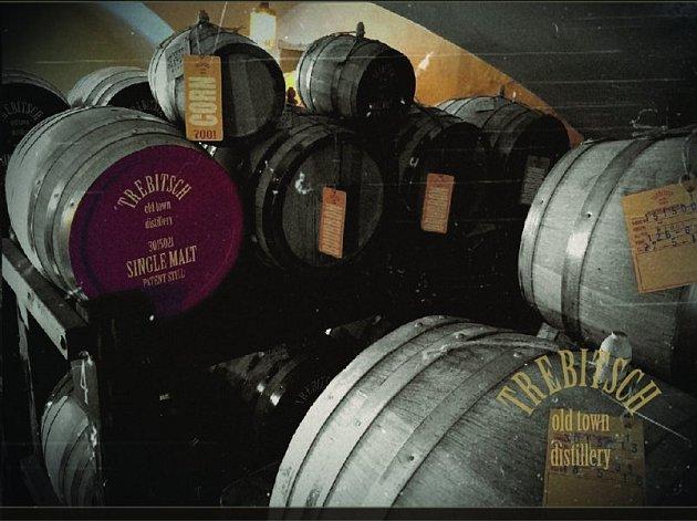 Třebíčská whisky je na trhu od jara a již nyní zabodovala na zahraniční soutěži, když získala ocenění v anglickém Birminghamu.