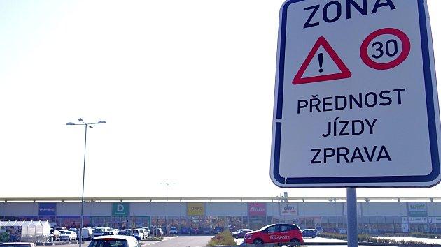 Doprava u třebíčského StopShopu.