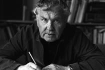 Ladislav Novák po většinu svého života žil a tvořil v Třebíči. Je mimo jiné autorem specifické techniky froasáže.