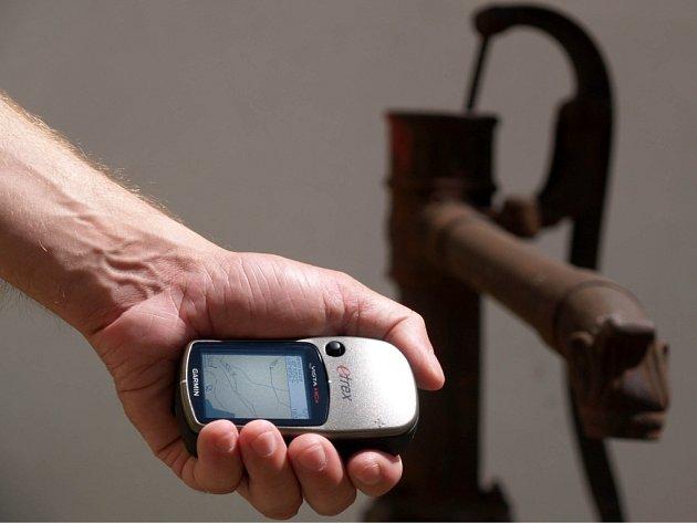 GPS navigace - nezbytná výbava každého kačera.