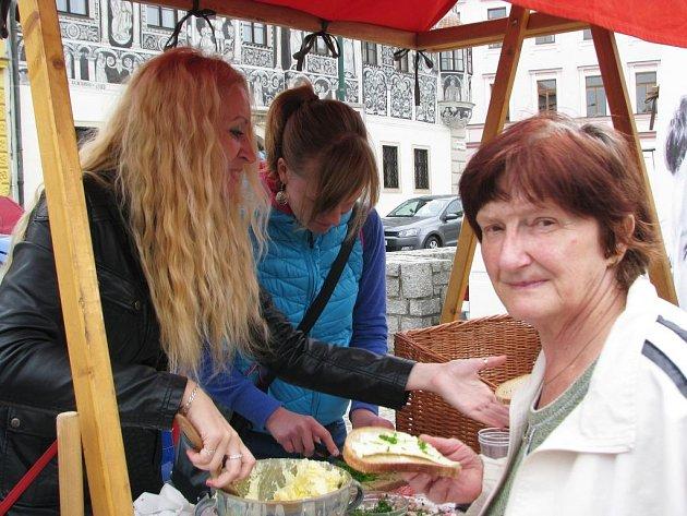 Již pošesté se ve čtvrtek na Karlově náměstí v Třebíči konal Jarmark bio, eko a výrobků s označením Vysočina regionální produkt.