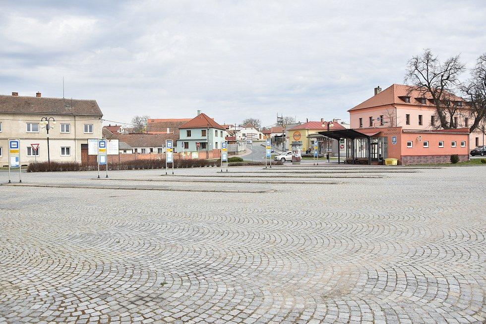 Autobusové nádraží v Hrotovicích.