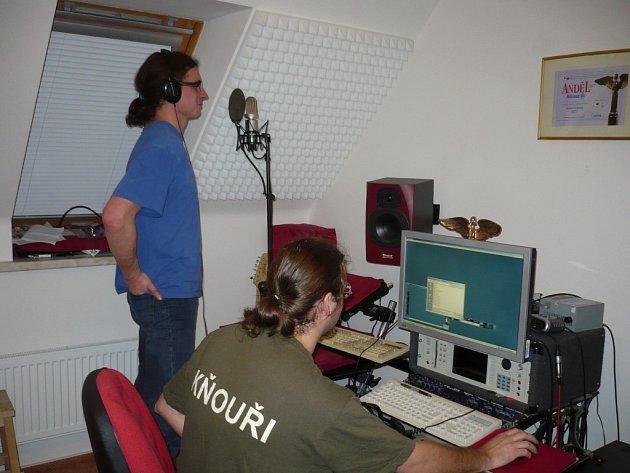 Ondřej Herzán při nahrávání desky Zakleta planina.