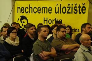 Při veřejných besedách se většina lidí vyjadřuje proti úložiště v lokalitě Horka.