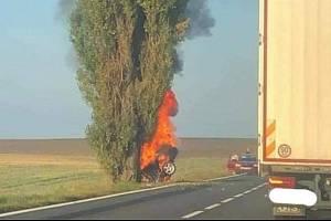K tragické nehodě došlo v pondělí 13. září před půl osmou ráno u Blatnice na Třebíčsku.