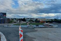 O víkendu začne na Rafaelově ulici závěrečné asfaltování ulice.