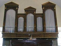 Varhany v kostele Proměnění Páně v Třebíči Jejkově.